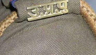 kanpur dehat-असालतगंज चौकी इंचार्ज को लोगो ने दौड़ा-दौड़ाकर पीटा Soni News