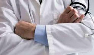 कालपी (जालौन):भगवान कहे जाने वाले डाक्टर पर लगे गंभीर आरोप, इलाज के बाद गयी मरीज की जान Soni News