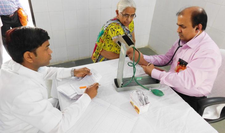 हमीरपुर:यूएसए के विशेषज्ञ डाक्टरों ने सैकड़ो मरीजों का किया चेकअप Soni News